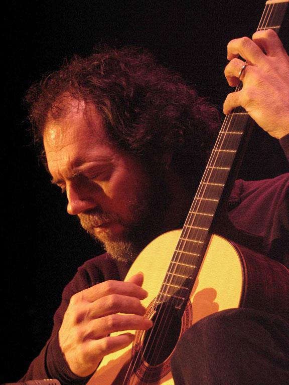 classical guitar player classical guitarist andrew york. Black Bedroom Furniture Sets. Home Design Ideas